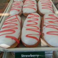 Photo taken at Krispy Kreme Doughnuts by Noe C. on 9/18/2012