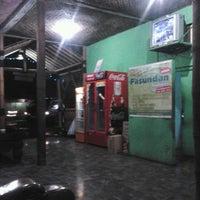 Photo taken at Pasundan Wisata Kuliner by Novie N. on 2/1/2014