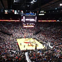 Foto scattata a Moda Center da Erin B. il 11/11/2012