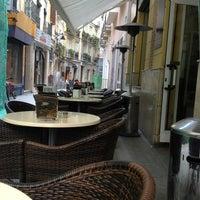 2/21/2013 tarihinde Janez B.ziyaretçi tarafından Café de Autor'de çekilen fotoğraf