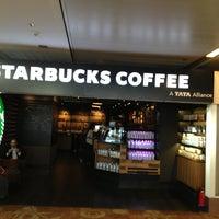 Foto tirada no(a) Starbucks Coffee por Sanjay R. em 3/6/2013