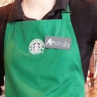 Das Foto wurde bei Starbucks von Yanik A. am 6/30/2013 aufgenommen