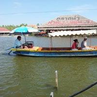Photo taken at Hua Hin Sam Phan Nam Floating Market by Paniss A. on 1/10/2013