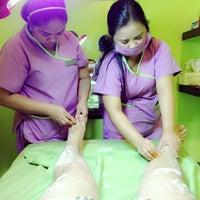 Foto tirada no(a) Lay Bare Waxing Salon por Jerome H. em 3/24/2013