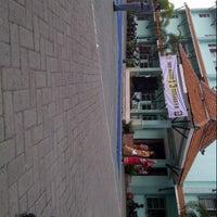 Photo taken at SMA Negeri 13 Surabaya by Zahra m. on 4/21/2014