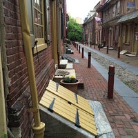 Photo taken at Elfreth's Alley Museum by Artur K. on 5/14/2014