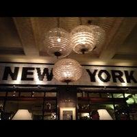 Снимок сделан в New York пользователем Victor T. 11/28/2012