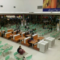 Foto tirada no(a) Shopping União por Hamilton M. em 9/27/2012