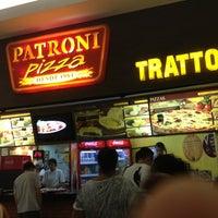 Photo taken at Patroni Pizza by Fabricio Q. on 12/28/2012