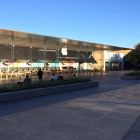 Photo taken at Apple Stanford by Breno M. on 10/4/2013