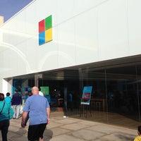 Foto tirada no(a) Microsoft Store por Breno M. em 4/8/2013