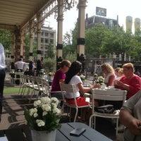 Foto tirada no(a) Café Brasserie Stadsschouwburg por MarIna S. em 7/29/2013