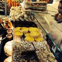 Photo prise au The Smiths Bakery par Allison S. le7/5/2014