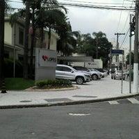 Foto tirada no(a) Lopes Consultoria Imobiliária por F Baroni B. em 2/6/2013