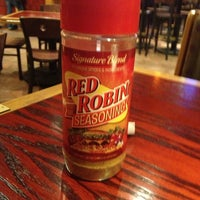 Photo taken at Red Robin Gourmet Burgers by Jessy S. on 1/7/2013