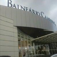 Foto tirada no(a) Balneário Shopping por Gustavo A. em 1/23/2013