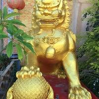 Photo taken at Wat Tham Kao Noi by Jeng C. on 8/28/2016