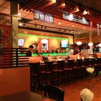 Photo prise au Yuri Japanese Restaurant par Michelle G. le2/17/2013