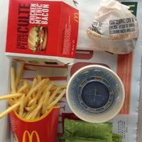 Photo prise au McDonald's par Antonello D. le7/7/2013