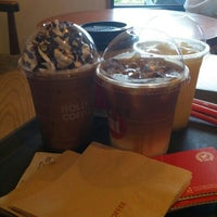 Photo taken at HOLLYS COFFEE by Regina W. on 7/23/2016