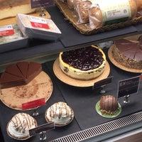 Das Foto wurde bei Starbucks Coffee von Taiyo M. am 11/2/2017 aufgenommen