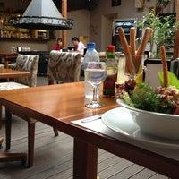 5/15/2013 tarihinde Cemre E.ziyaretçi tarafından Cafe Cafe'de çekilen fotoğraf