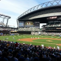 Foto tirada no(a) Safeco Field por Gregory L. em 6/29/2013