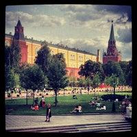 Photo taken at Aleksandrovskiy Garden by Юрий М. on 7/11/2013