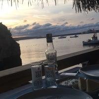 10/26/2015 tarihinde Günizziyaretçi tarafından Rota Balık Restaurant'de çekilen fotoğraf