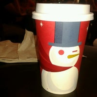 Photo taken at Starbucks by Betsabé Y. on 11/29/2012