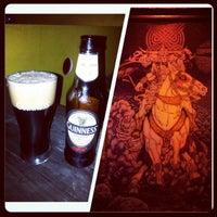 Foto tomada en Fiddlers Irish Bar por Robert H. el 4/6/2013