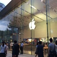 รูปภาพถ่ายที่ Apple Omotesando โดย niigatakomagome เมื่อ 6/26/2014