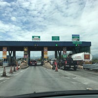 Photo taken at Dinalupihan Toll Plaza by beachmeister on 12/13/2017
