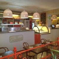 Снимок сделан в Caffe Centrale пользователем Мария К. 2/27/2013