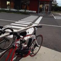 10/21/2013にkunio a.がマクドナルド 23号岸岡店で撮った写真