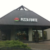 Foto scattata a PizzaForte da Lukács K. il 10/14/2013