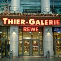 Das Foto wurde bei Thier-Galerie von vandeStonehill am 12/24/2012 aufgenommen