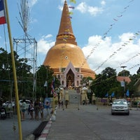 Photo taken at Wat Phra Pathom Chedi by Preecha J. on 9/23/2012