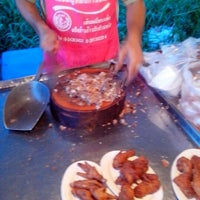 Photo taken at ตลาดนัดหน้าหมู่บ้านเคซีการ์เด้นท์โฮม by Chana Chuenson H. on 12/30/2012