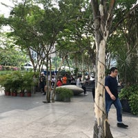 4/29/2018에 Grace님이 Smoking Corner @ PlazaSingapura에서 찍은 사진
