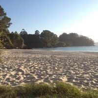 Foto tomada en Praia de Lapamán por Julia A. el 5/13/2013