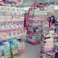 Photo taken at ipetshops ไอเพ็ทช็อปส์ by OhmmY O. on 11/1/2014