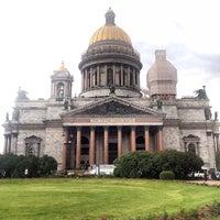 Das Foto wurde bei Saint Isaac's Cathedral von Andrey Z. am 6/23/2013 aufgenommen