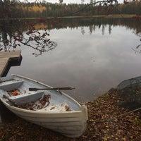 Photo taken at Linniinjärvi by Iida M. on 10/12/2014