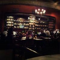 Photo prise au Leona Pizza Bar par Gabriel F. le11/25/2012