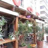 7/11/2014 tarihinde Chris G.ziyaretçi tarafından VOP Café Bistró'de çekilen fotoğraf