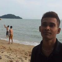 Photo taken at Pantai Ah Sen by Irwan R. on 5/1/2013