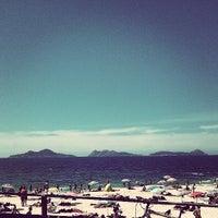 Photo taken at Praia de Fortiñón by opaco on 8/4/2013