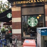 Das Foto wurde bei Starbucks von iNDY am 10/16/2016 aufgenommen