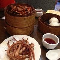 Photo taken at Tak Fu Seafood Restaurant 德福點心皇 by Leo W. on 6/26/2013